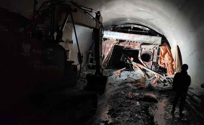 云南临沧在建隧道突泥涌水事故已致7人遇难,5人失联