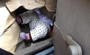 上海9月大女婴被独留车内 卡入车座下一度呼吸障碍