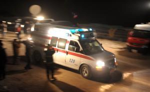 沈阳一男子持刀拦120急救车近半小时,病人等车过程中死亡