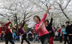 """广场舞为何被污名化:""""文革""""一代的大妈向何处去?"""