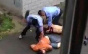 湖南两驾警车者暴打市民,带领执法的值班民警去哪儿了?