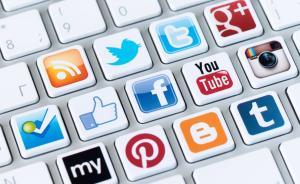 《卫报》选10位全球最善用网络作家:他们也爱在网上吵架