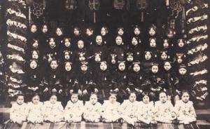 女学生和传教士引领了百年前的上海滩时尚