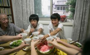 """""""西海固""""孩子在上海的一天:学会过马路,感慨游泳池浪费水"""