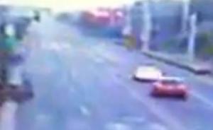 苏州奥迪追尾教练车:司机被抛出天窗轧死,十个月已扣77分