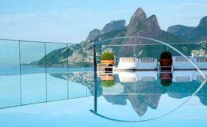 看得见风景的游泳池
