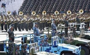 北京军区副司令员白建军等5位各军兵警种中将率装备方队受阅