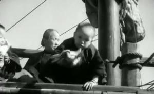 抗战揭秘 中国海盗爱国壮举,帆船架明朝火炮痛击日寇炮艇