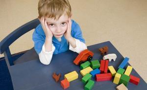 """孩子说""""我很无聊""""时,TA并不需要你胡乱塞过来的玩具"""