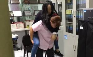 """背晕倒女乘客去休息室,上海地铁一女站长被赞""""女汉子"""""""