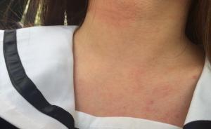 聋哑男向上海地铁女乘客胸口塞小广告,遭拒后打人被行拘
