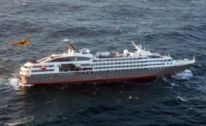 赴南极豪华邮轮在南大西洋起火侧倾,船上近百名中国乘客获救