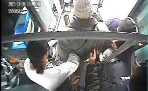 上海一公交乘客突发急病,司机不停站直奔医院乘客全部赞同