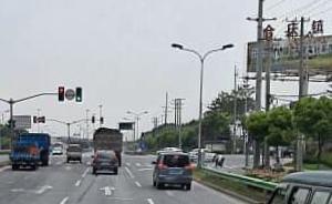 上海一大型货车转弯碾压电瓶车,致一男童及其姨妈当场死亡