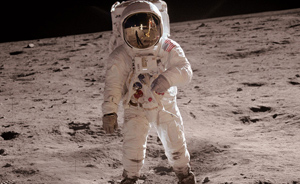 抢鲜读︱阿波罗计划:美国如何战胜苏联,实现人类首次登月