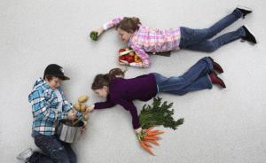 一位妈妈的冒险实验:让10岁的女儿负责全家一周的晚餐