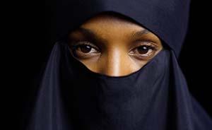女性割礼,令文化相对主义和普世人权产生抵牾