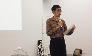 诗人北岛在上海为小朋友开诗会,为孩子们编了本诗集