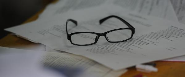 """检察日报刊文:""""都没错""""并非高考""""眼镜门""""事件负责答案"""