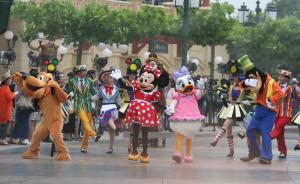 上海迪士尼今天正式开园:现场不卖当日票,扩建项目已启动