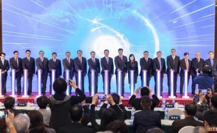 """""""有錢、有心、有能力"""":200多名滬港青年在臨港交流科創"""