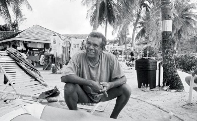 尋找德里克·沃爾科特,加勒比海的荷馬