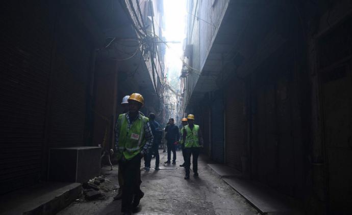 印度大火中的逝者:因楼梯堆满货物难逃生,最后时刻致电至亲