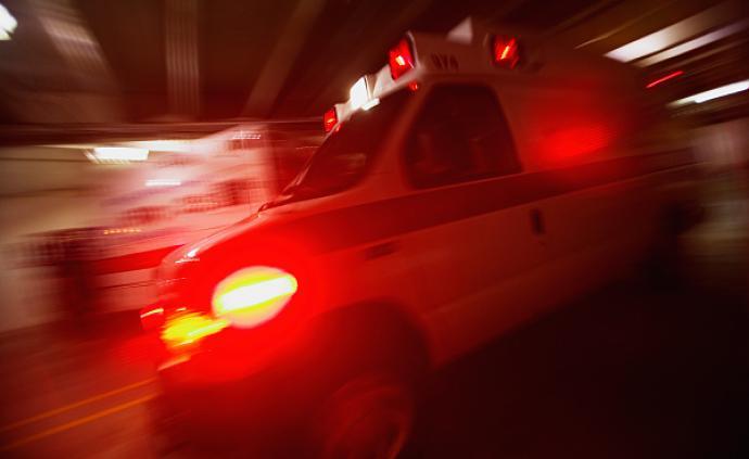 沪陕高速六安段车祸:面包车与重型车碰撞起火燃烧,3死4伤