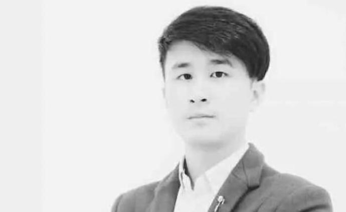 杭州救落水女孩遇难青年被追授见义勇为勇士,群众自发悼念