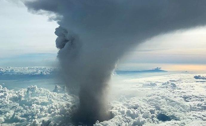 菲律宾火山大规模喷发,马尼拉机场已停飞