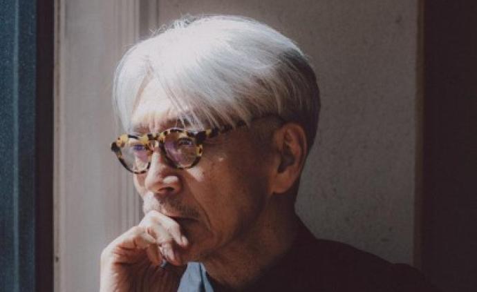 《坂本龙一:终曲》:银发少年坂本龙一