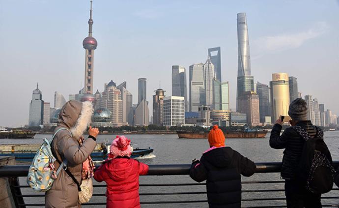 去年上海GDP为38155.32亿元,比上年增长6.0%