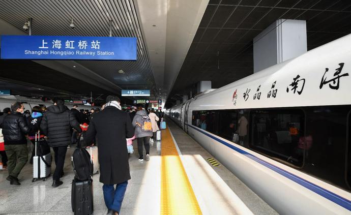 """城事 """"水晶晶南浔""""高铁列车在上海虹桥站首发"""
