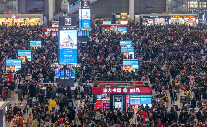 正月初一全國發送旅客2506.2萬人次,下降28.8%