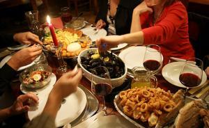 节日暴饮暴食容易诱发胆囊炎,切除胆囊有没有必要?