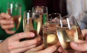 党员过年吃喝前不妨想想这5条