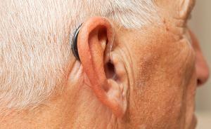 助听器随便戴可能影响听力,老年性耳聋误区多