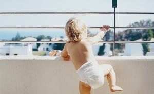 儿童意外约半数为坠落伤,两三岁孩子须24小时看管