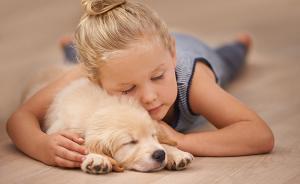 想给孩子找个伴,研究者发现生二胎不如养宠物