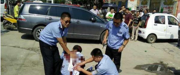 """河南正阳回应""""瓜贩捅死城管"""":不存在殴打嫌疑人妻子行为"""