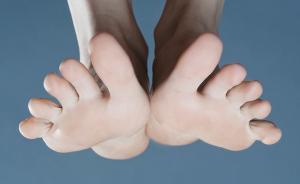 小趾磨破皮却要截肢,糖尿病足如何防治