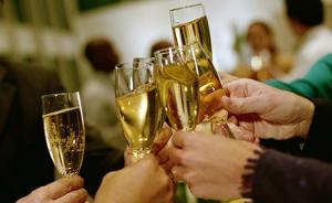 当我们在讨论香槟时,我们在讨论什么