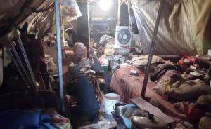 西安百岁老人蜗居街头修车:年龄存疑,健康不佳,拒绝救助