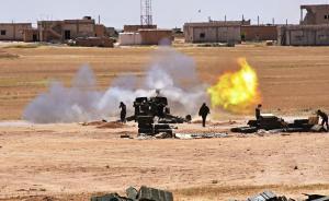 """当地时间2017年5月16日,叙利亚阿勒颇省东部阿萨德湖边,叙政府军炮击""""伊斯兰国""""武装阵地。新华社 图"""