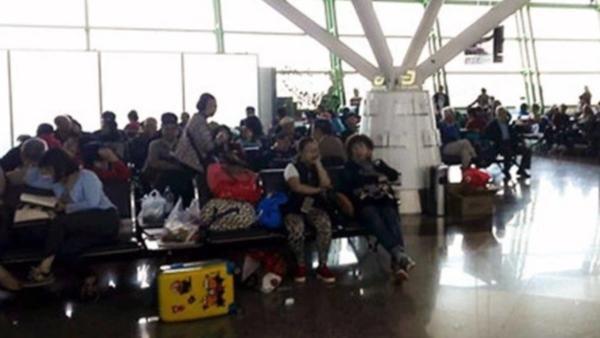 南京飞米兰客机迫降哈萨克斯坦