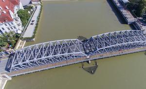 """违规运输建筑垃圾,撞""""伤""""上海外白渡桥企业被停业1个月"""