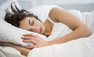 脾气变暴可能是没睡好,失眠科专家谈夏季如何好眠