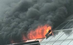 杭州一高层住宅18楼起火:救出4人,经抢救无效全部死亡