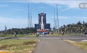 第二发长征五号大火箭完成垂直转运,将于7月初择机发射