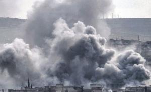 """叙利亚一组织称美国空袭""""伊斯兰国""""监狱,造成50多人死亡"""